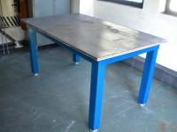 svar stůl